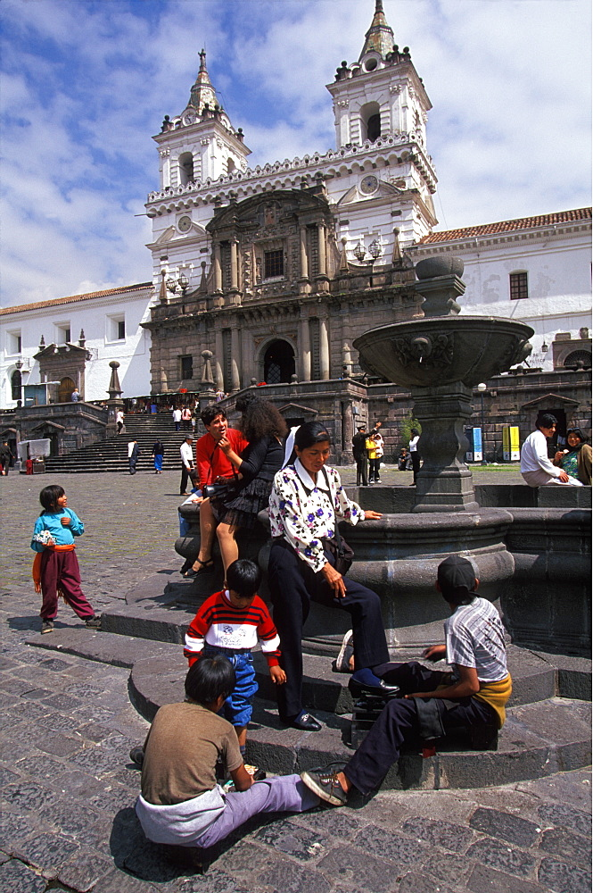 The Monastery of San Francisco 1534 to 1600 the largest colonial building in Quito on Plaza San Francisco, with shoe shine boys, Quito, Ecuador