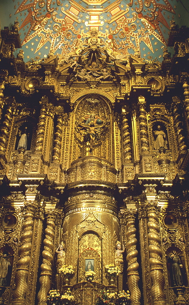 La Compania, Jesuit Church c 1605 to 1768 a masterpiece of Baroque art, considered by some as Latin America's most splendid church, Quito, Ecuador