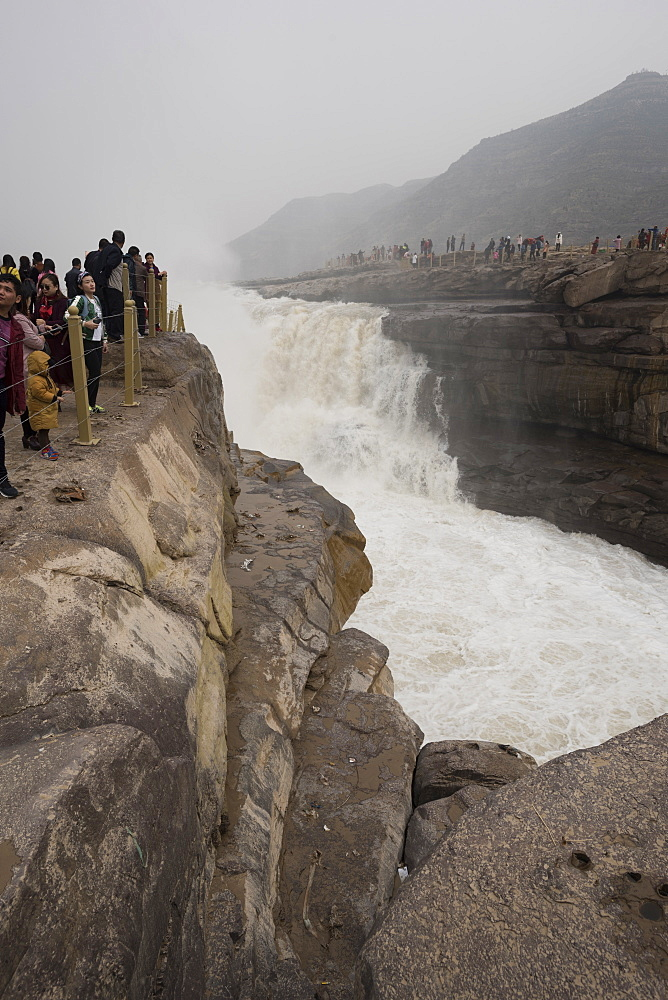 Hukou Waterfall on the Yellow River in Shaanxi Province, China, Asia - 767-1338