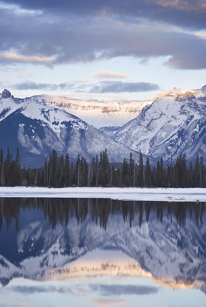 Vermilion Lakes, Banff National Park, UNESCO World Heritage Site, Rocky Mountains, Alberta, Canada, North America - 767-429