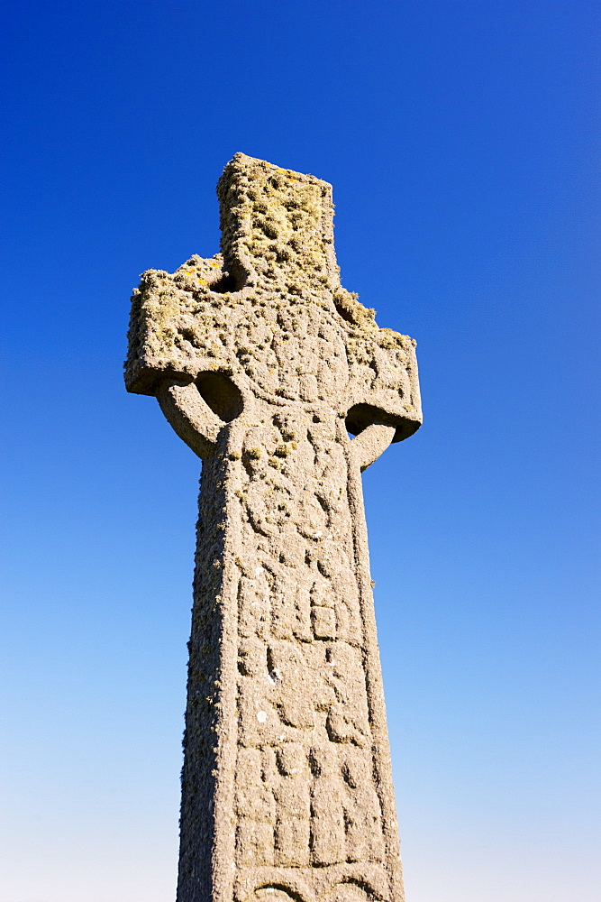 St. Martin's Cross, magnificent Celtic carved cross dating from the 8th century, Isle of Iona, Inner Hebrides, Scotland, United Kingdom, Europe - 770-1512
