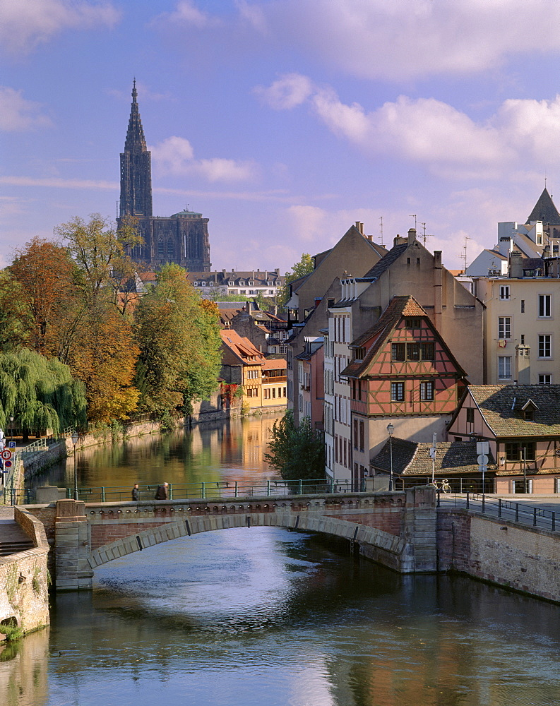 The Ponts-couverts (Covered-bridges) dating from the 14th century over the River Ill, Grande Ile, UNESCO World Heritage Site, with Petite France quarter and cathedral in the background, Strasbourg, Alsace, France, Europe - 770-1726