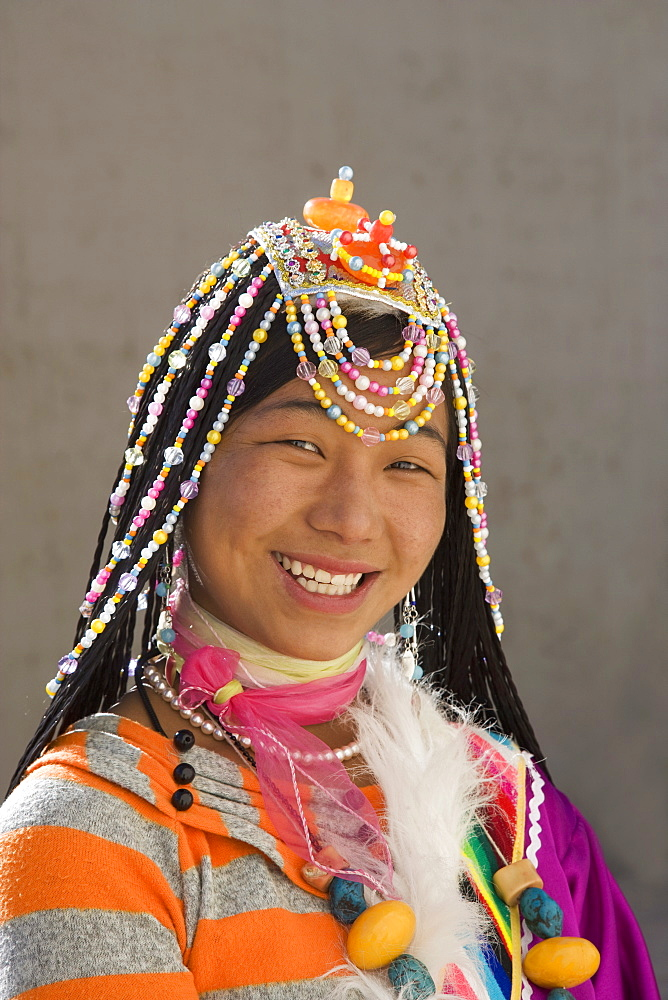Woman of the Naxi minority people, Shangri-La, formerly Zhongdian, Shangri-La region, Yunnan Province, China, Asia - 772-2118