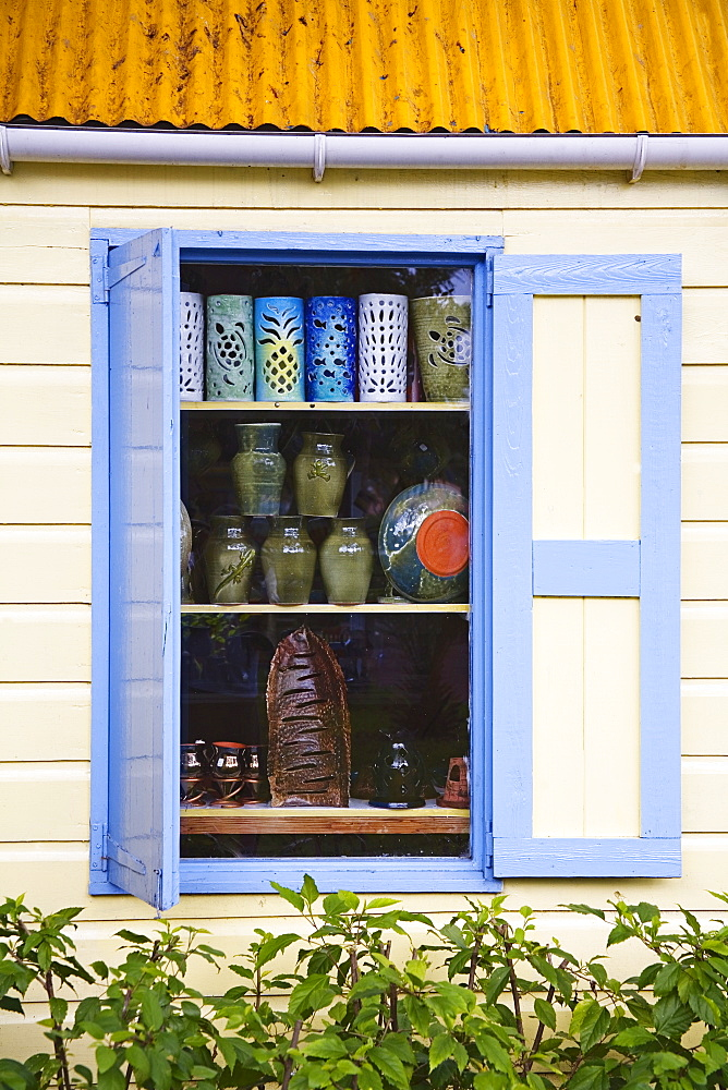Pottery shop, Redcliffe Quay, St. Johns, Antigua Island, Antigua and Barbuda, Leeward Islands, Lesser Antilles, West Indies, Caribbean, Central America