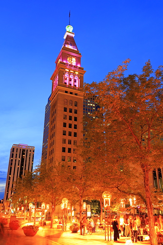 Daniel's and Fisher Tower, 16th Street Mall, Denver, Colorado, United States of America, North America