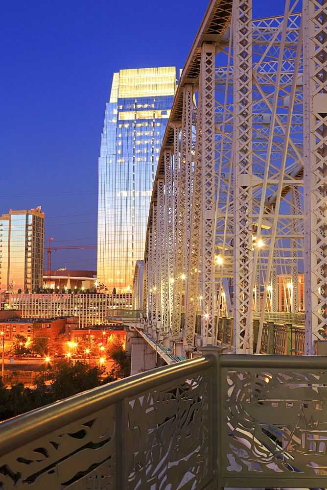 Pinnacle Tower and Shelby Pedestrian Bridge, Nashville, Tennessee, United States of America, North America