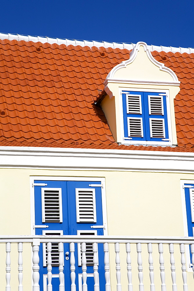 Historic building on Molenplein, Otrobanda District, Willemstad, Curacao, Netherlands Antillies, West Indies, Caribbean, Central America