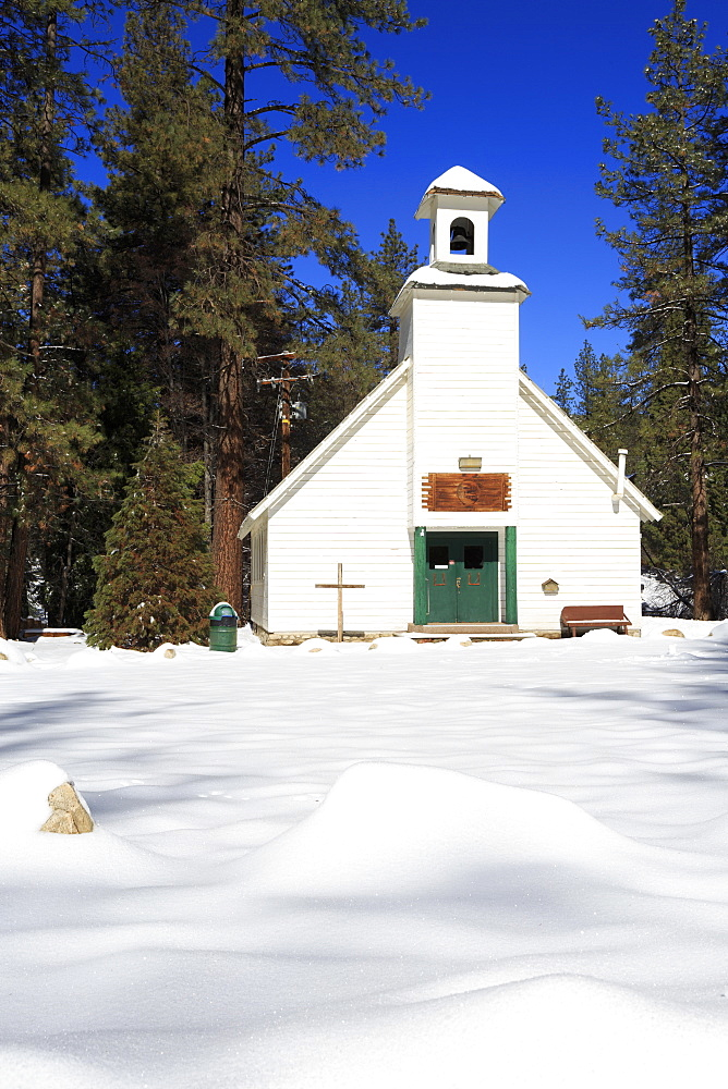 Chapel in snow, Idyllwild, California, United States of America, North America