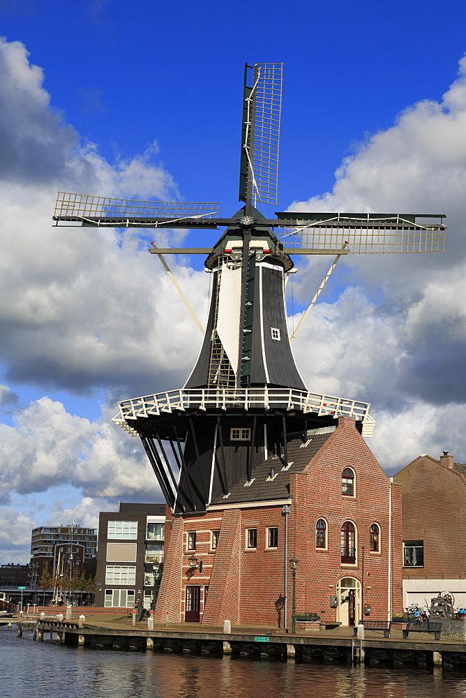De Adriaan Windmill, Haarlem, Netherlands, Europe - 776-5303
