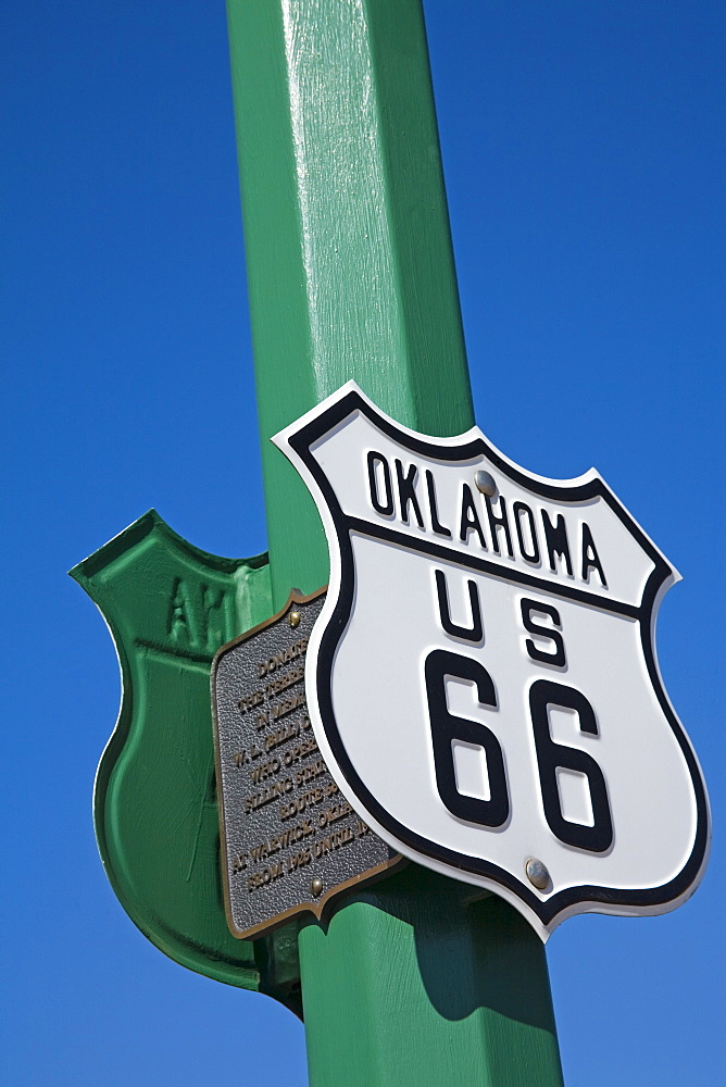 Route 66 sign, Chandler City, Oklahoma, United States of America, North America - 776-547