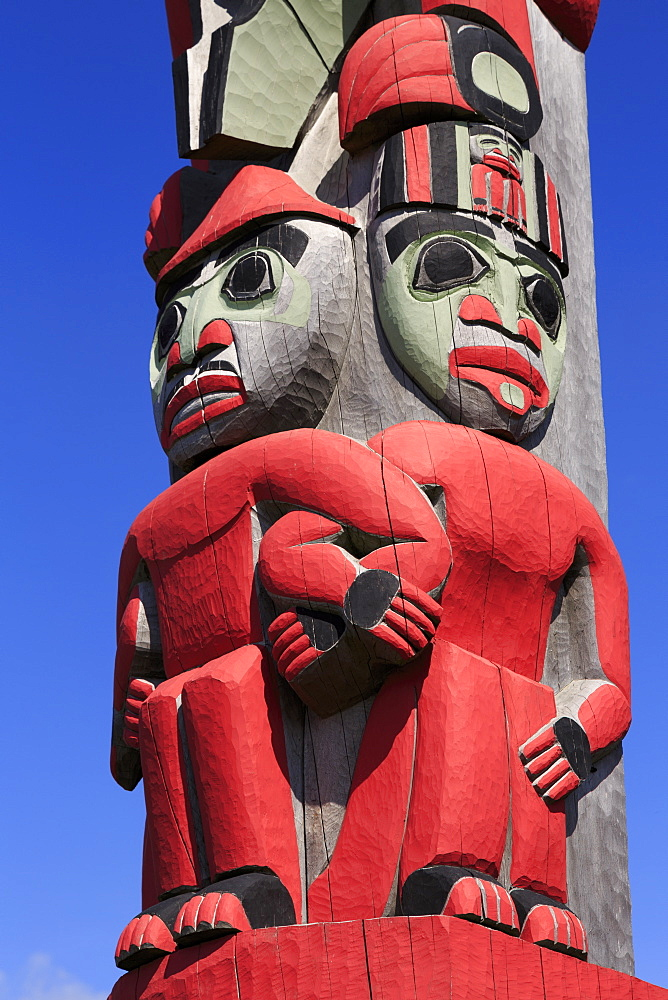 Totem Pole, Sheldon Museum, Haines, Lynn Canal, Alaska, United States of America, North America