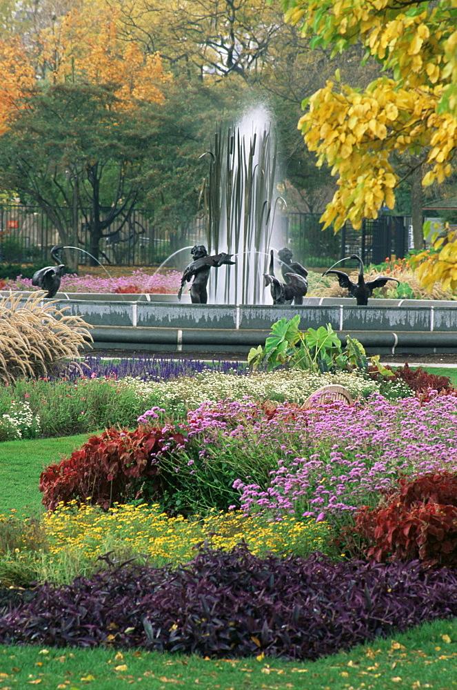 Fountain, Lincoln Park, Chicago, Illinois, United States of America, North America