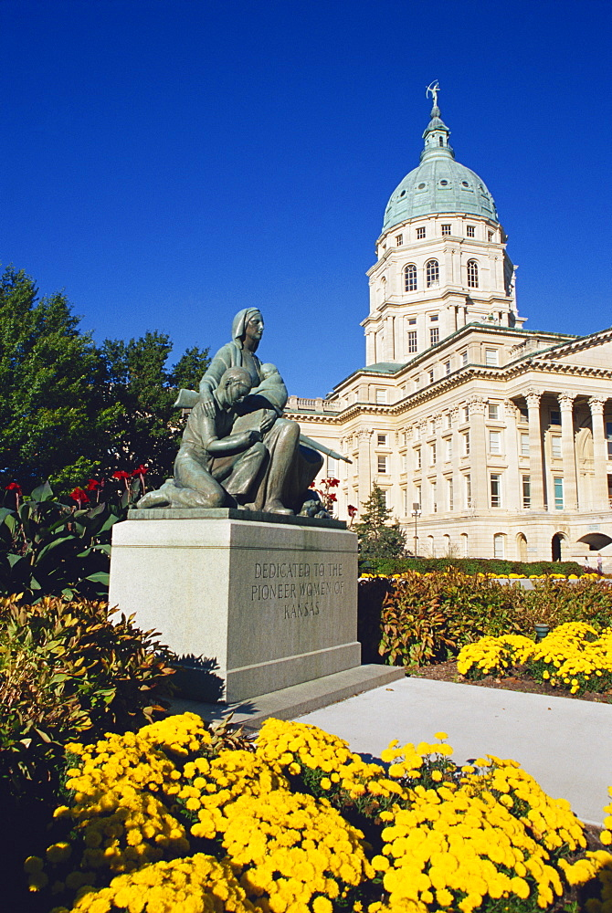 Pioneer Women's Memorial, State Capitol Building, Topeka, Kansas, United States of America, North America