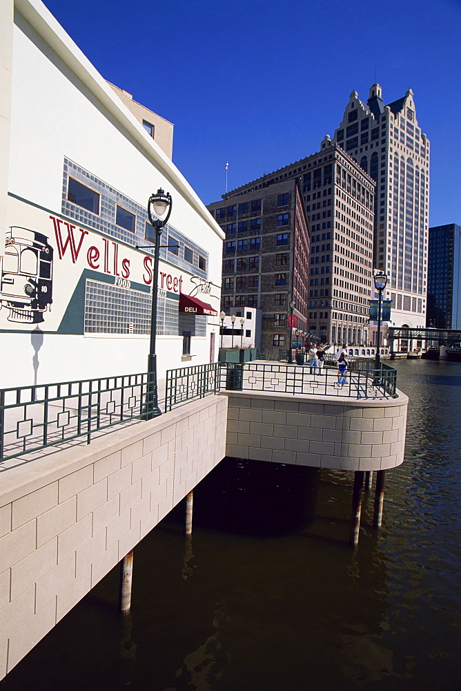 Wells Street River Walk, Milwaukee, Wisconsin, United States of America, North America