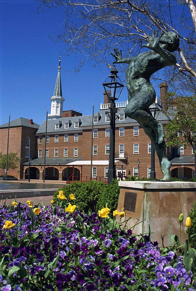 Brio statue and City Hall, Alexandria, Virginia, United States of America,  North