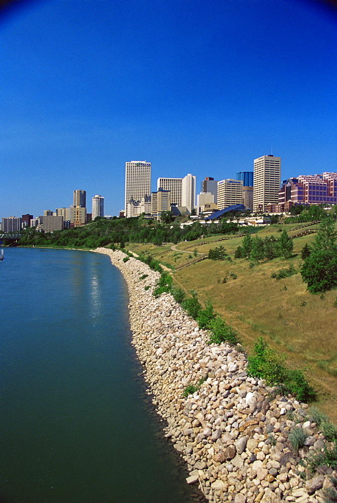 Saskatchewan River and Edmonton city skyline, Edmonton, Alberta, Canada, North America