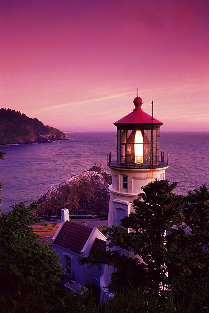 Heceta Head lighthouse, Oregon coast, Oregon, United States of America, North America