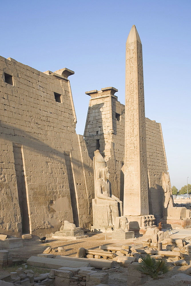 Obelisk and Pylon of Ramesses II (Ramses the Great), Luxor Temple, Luxor, Thebes, UNESCO World Heritage Site, Egypt, North Africa, Africa - 783-18