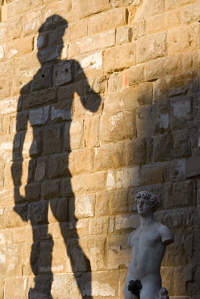 Shadow of statue of David, Piazza della Signoria, Florence, Tuscany, Italy, Europe - 785-15