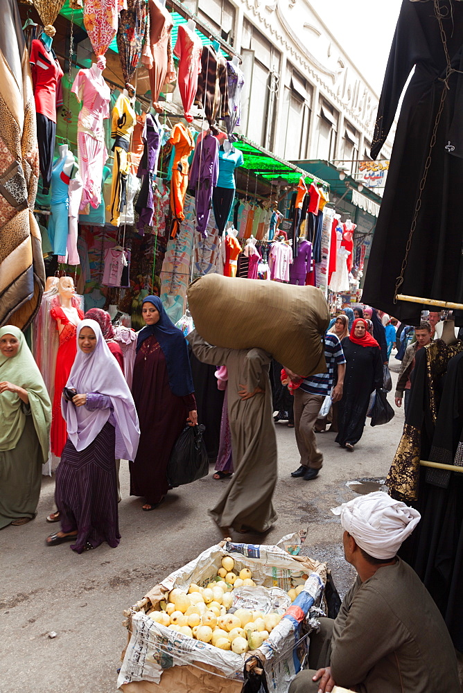 Shoppers in Old City, Cairo, Egypt, North Africa, Africa