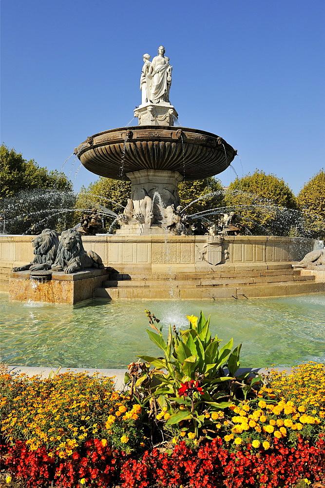 Fontaine de la Rotonde (Rotunda Fountain), Aix-en-Provence, Bouches-du-Rhone, Provence, France, Europe