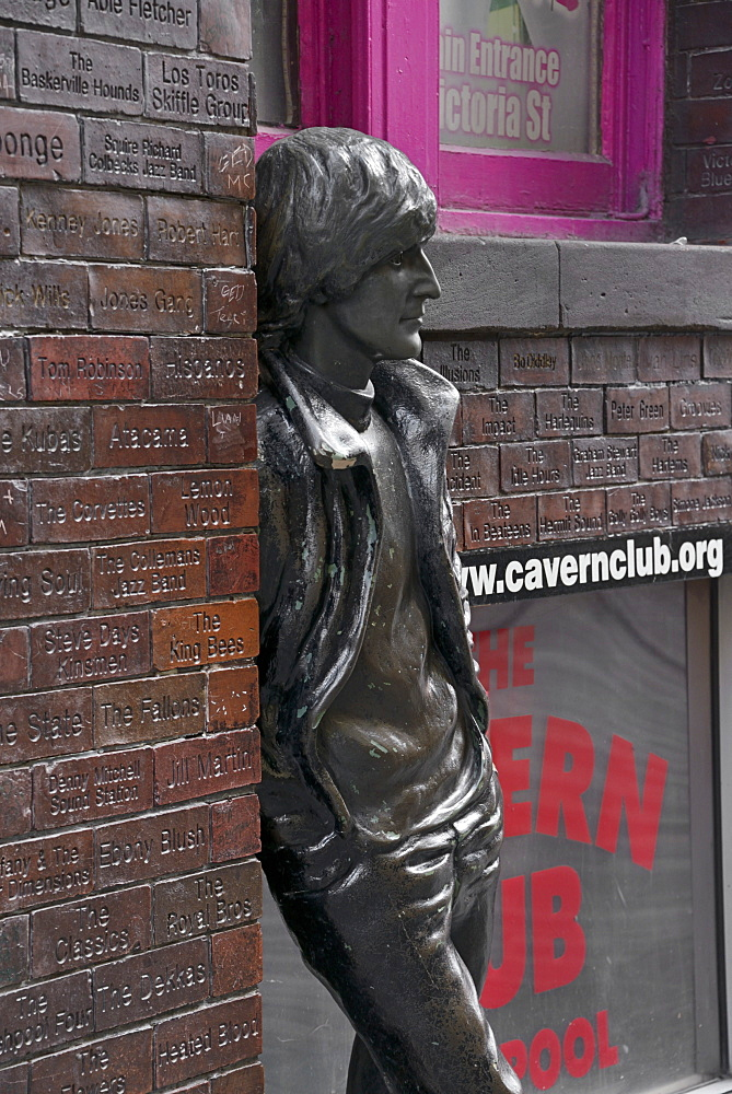 Statue of John Lennon, Mathew Street, Liverpool, Merseyside, England, United Kingdom, Europe