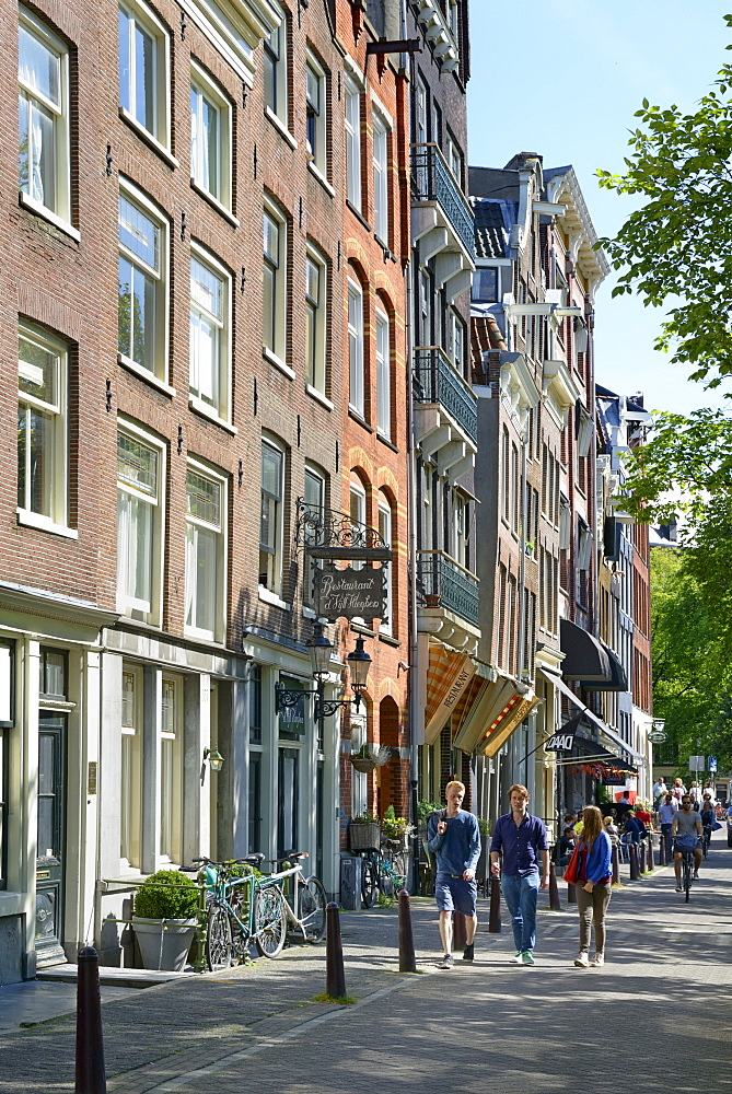 Typical canalside street, Singel, Amsterdam, North Holland, Netherlands, Europe