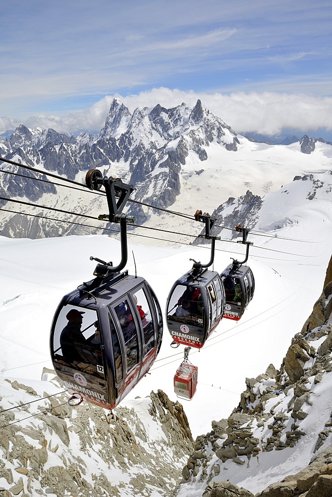 Cable cars approaching Aiguille du Midi, Mont Blanc Massif, Chamonix, French Alps, Haute Savoie, France, Europe - 792-795