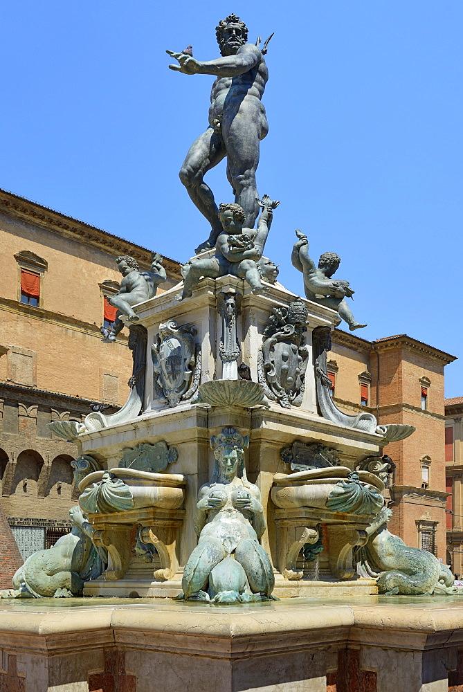 Neptune Fountain, Piazza del Nettuno, Bologna, Emilia-Romagna, Italy, Europe - 792-821