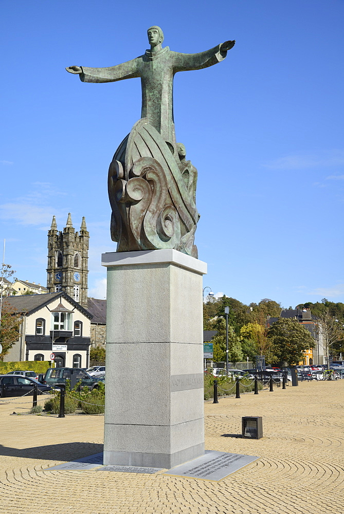 Statue of St. Brendan the navigator, Wolfe Tone Square, Bantry, Wild Atlantic Way, County Cork, Munster, Republic of Ireland, Europe - 792-832