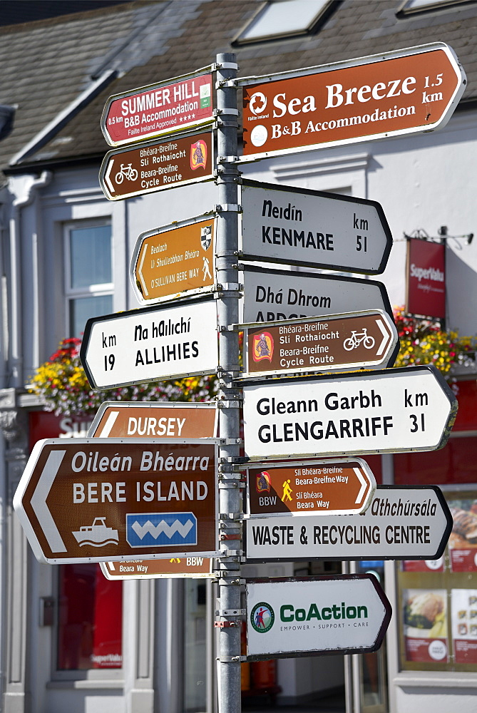 Signpost, Castletown, Castletownbere, Beara Peninsula, Wild Atlantic Way, County Cork, Munster, Republic of Ireland, Europe - 792-838