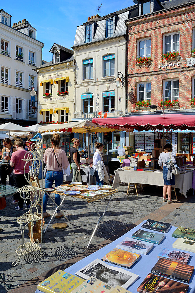 Flea Market, Brocante, Place Sainte Catherine, Honfleur, Calvados, Basse Normandie, Normandy, France, Europe - 792-871