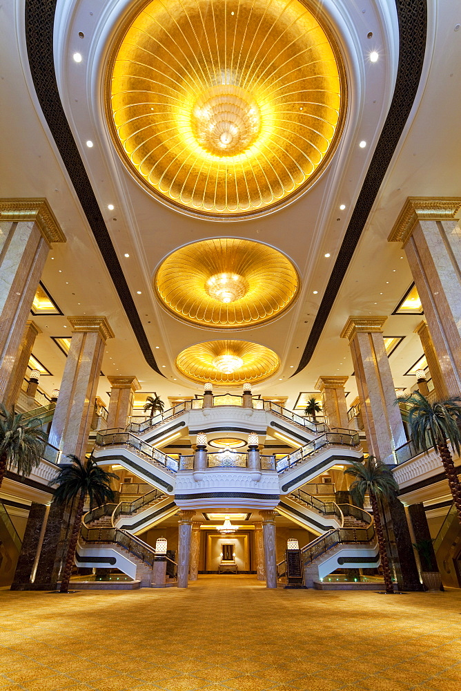 Ornate interior of the luxury Emirates Palace Hotel, Abu Dhabi, United Arab Emirates, Middle East - 794-1098
