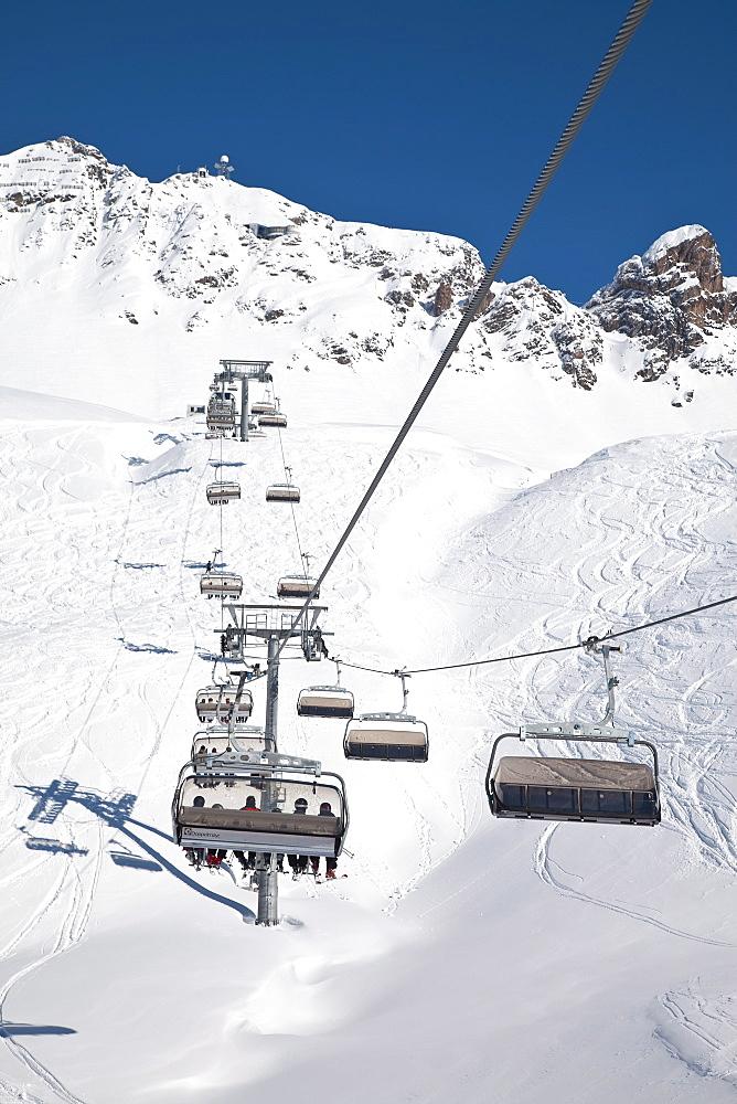 Resort pistes and chairlift, St. Anton am Arlberg, Tirol, Austrian Alps, Austria, Europe