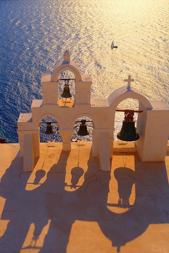 Church in Oia, Santorini, Cyclades, Greek Islands, Greece, Europe - 795-118