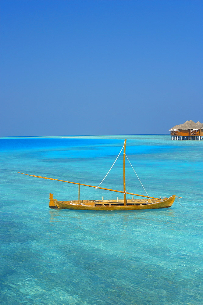 Taditional dhoni and water villas, Maldives, Indian Ocean, Asia