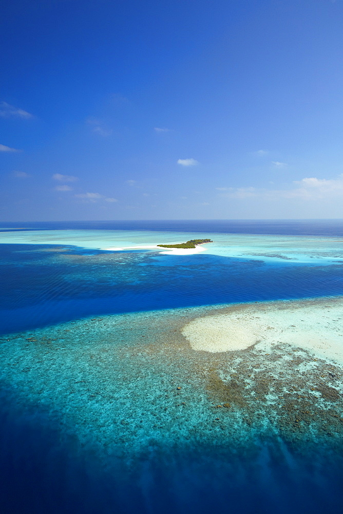 Aerial view of tropical island and lagoon, Maldives, Indian Ocean, Asia