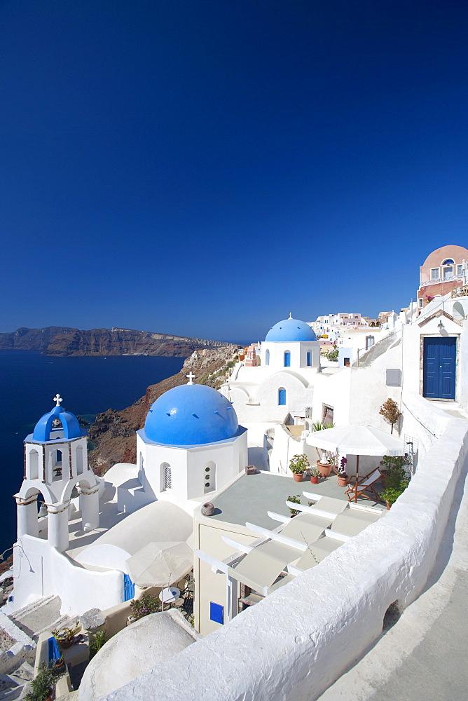 Oia, Santorini, Cyclades, Greek Islands, Greece, Europe - 795-484