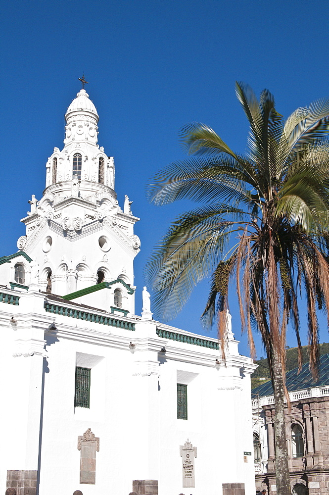 El Sagrario church, Plaza de Independencia, Historic Center, Quito, Ecuador, South America
