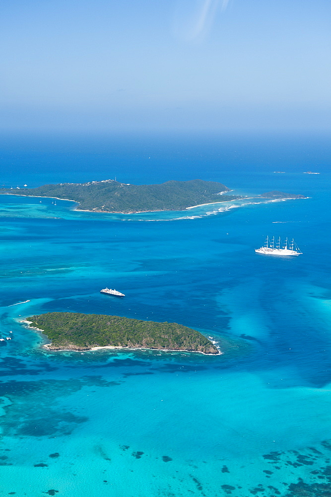 Tobago Cays and Mayreau Island, St. Vincent and The Grenadines, Windward Islands, West Indies, Caribbean, Central America