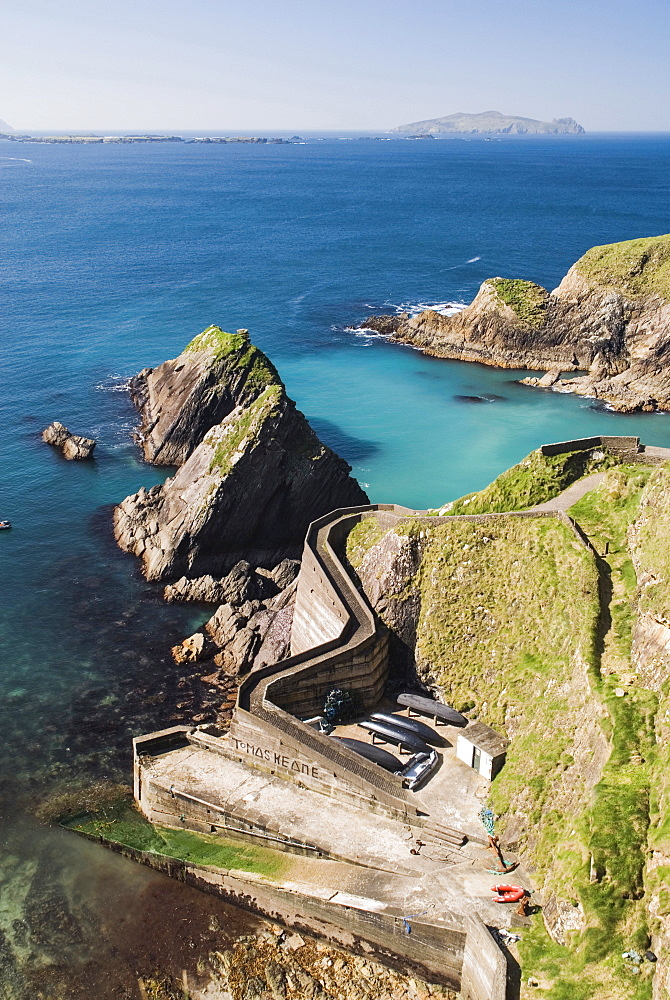 Ireland, County Kerry, Dingle Peninsula, Dunquin Harbour.