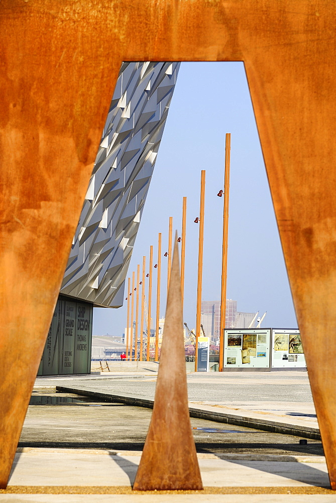 Ireland, North, Belfast, Titanic Quarter, Titanic Belfast Visitor Experience, View through Titanic sign.