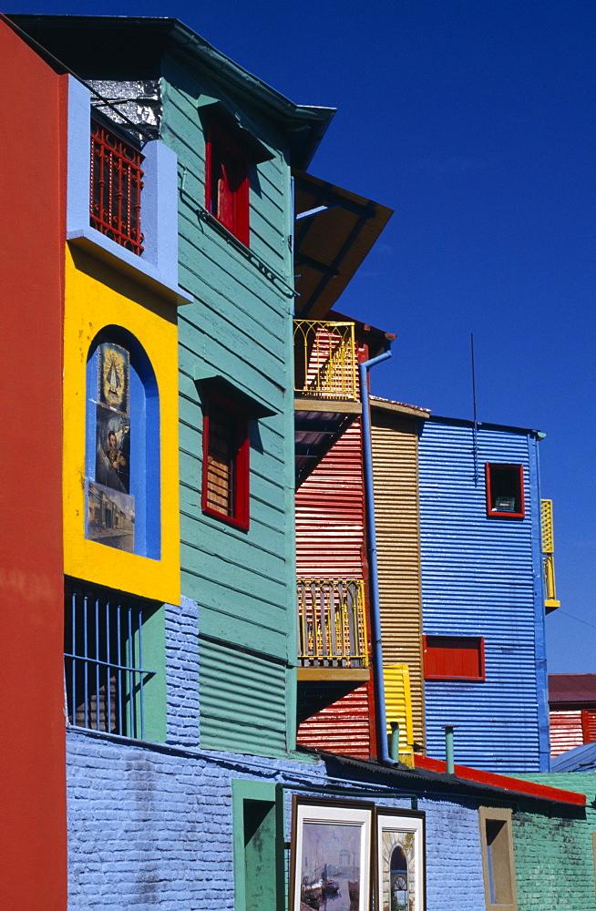 ARGENTINA Buenos Aires La Boca.  Brightly painted workers housing.    - 797-1190