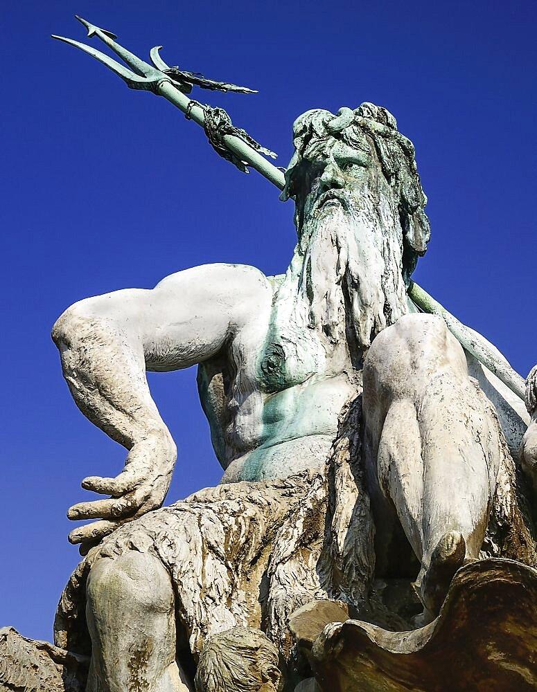Germany, Berlin, Neptunebrunnen Fountain.
