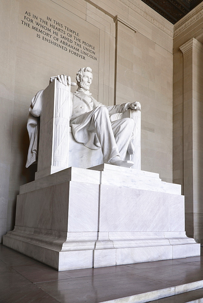 USA, Washington DC, National Mall, Lincoln Memorial, Statue of Abraham Lincoln, Angular view of the statue.