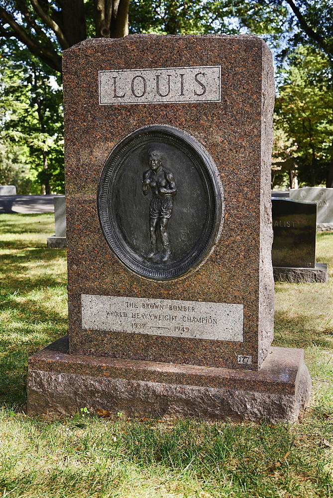 USA, Washington DC, Arlington National Cemetery, Grave of boxer Joe Louis.
