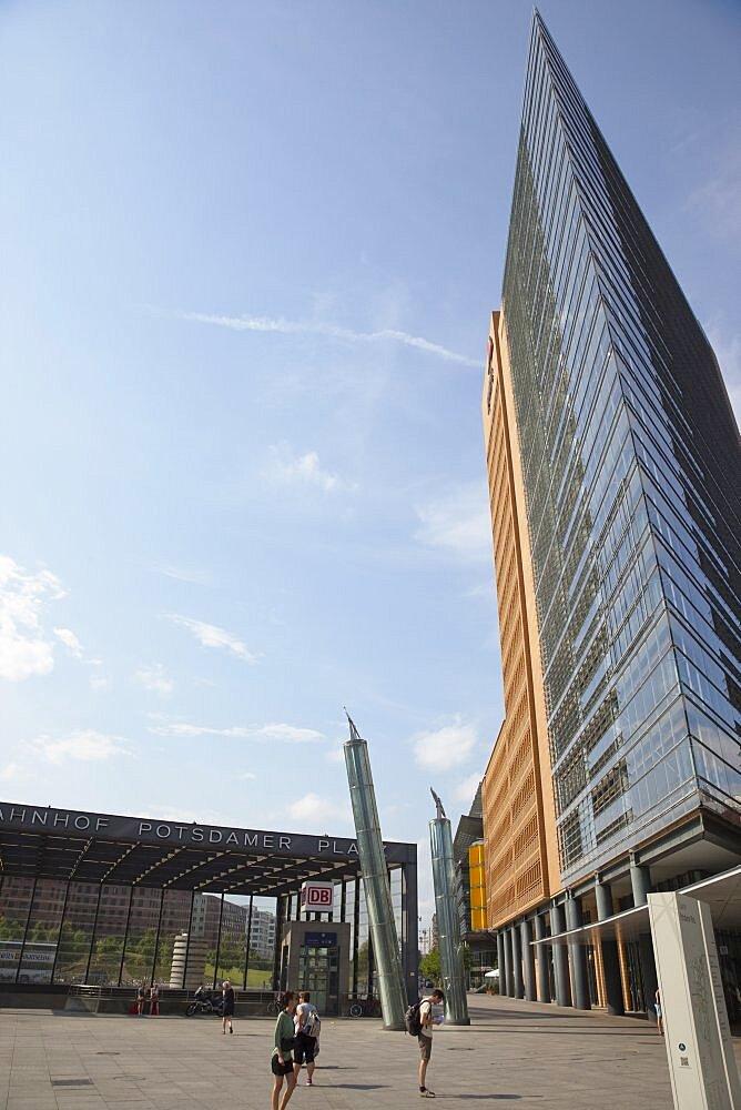 Germany, Berlin, Mitte, Potsdamer Platz, Modern office buildings.