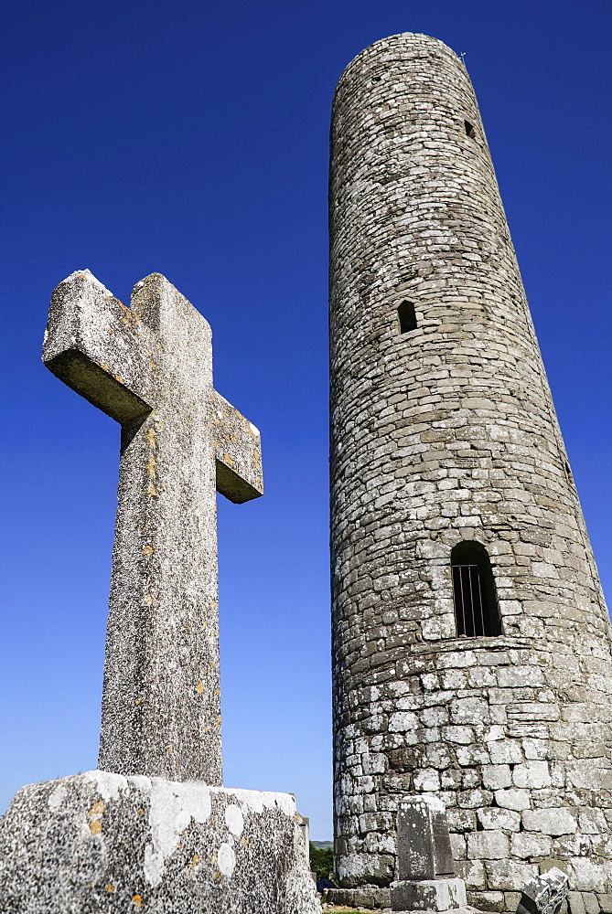Ireland,  County Mayo, Meelick Round Tower.
