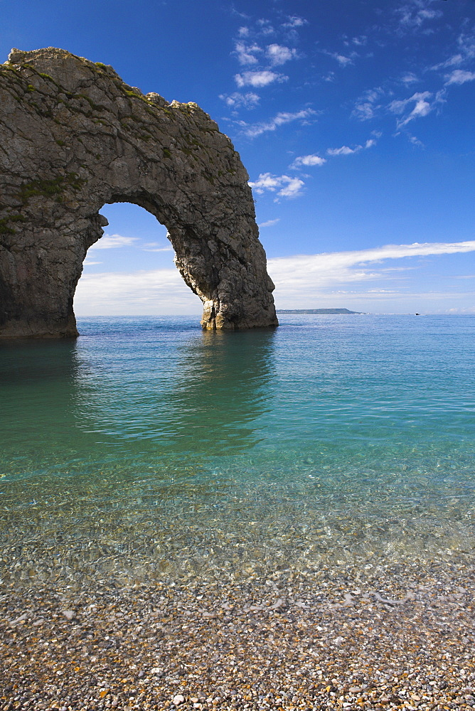 Summer afternoon besides Durdle Door, Jurassic Coast, UNESCO World Heritage Site, Dorset, England, United Kingdom, Europe