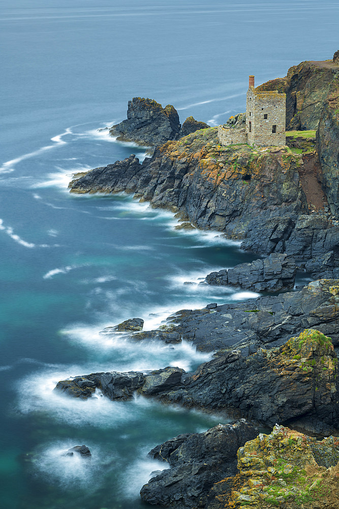 Clifftop engine house from an abandoned tin mine on the Cornish cliffs, Botallack, Cornwall, England, United Kingdom, Europe